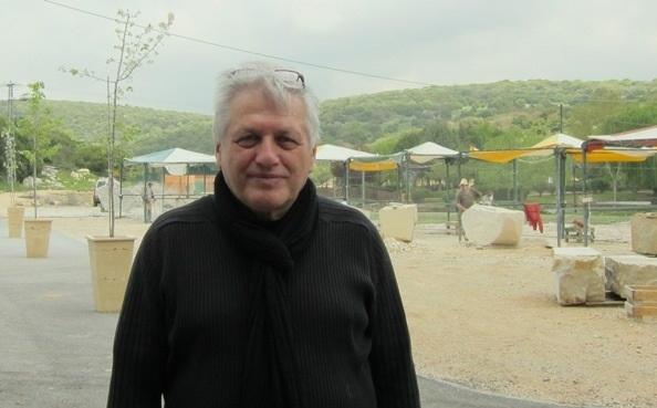 默許‧帕羅曼
