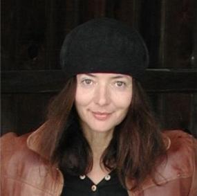 卡洛琳‧羅曼斯道夫