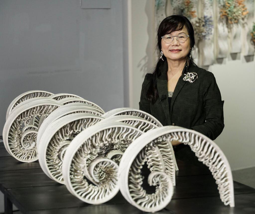 「綻放‧叢生─彭雅美陶藝雕塑展」於文化局石雕博物館盛大展出